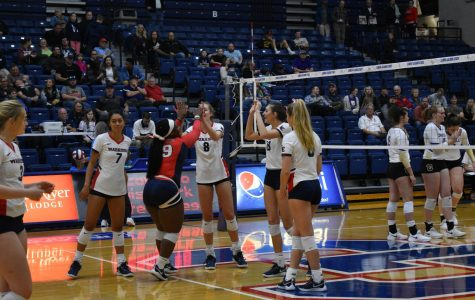 Homecoming games move Warrior volleyball to 9-1 at home game