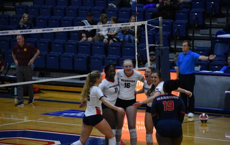Women's volleyball and golf start strong
